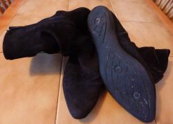 bottes-noires-taille-40-vue-dessous.jpg