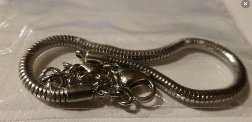 Bracelet charm 1