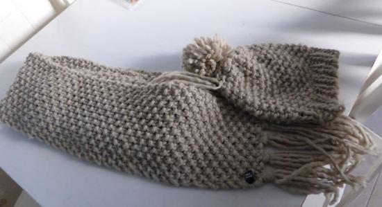 Echarpe et bonnet laine beige points de riz marque pimkie