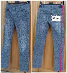 Lot 1 de 3 jeans taille 12 ans