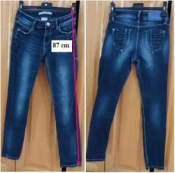 Lot 2 de 3 jeans taille 12 ans