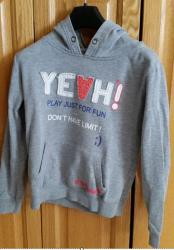 Lot k 2 de 3 sweat taille 12ans